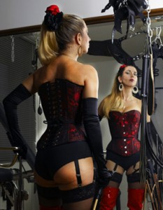 Dominatrix-Domatella-london-spanking-punishment-mistress-kings-cross